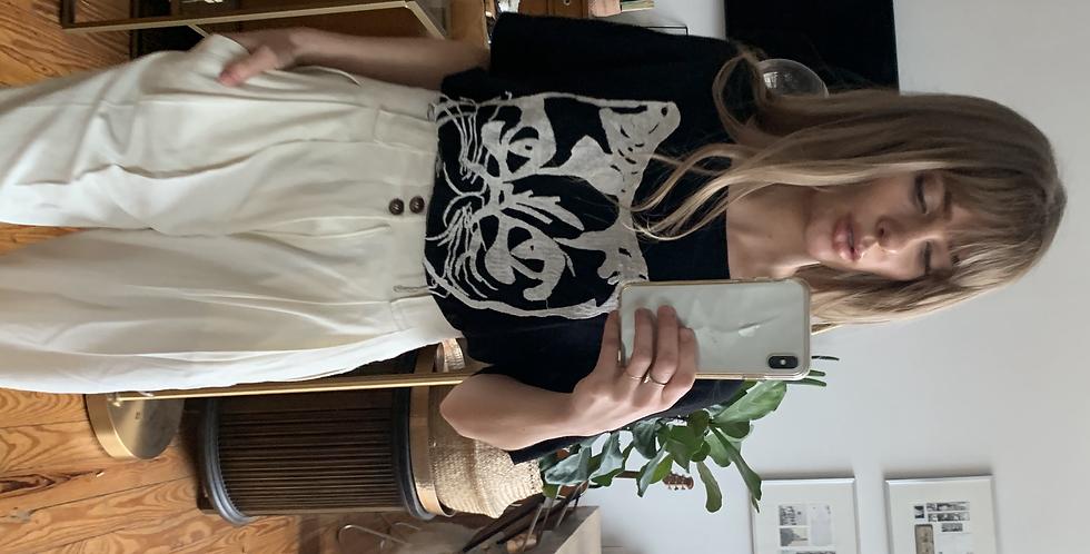 Embroidered feline tee