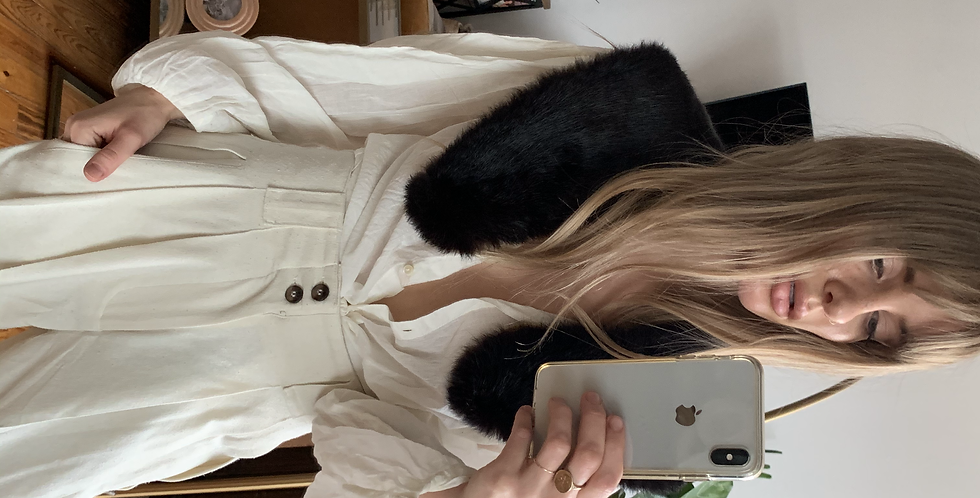 Vintage fur collar with built in pins