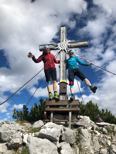 Manni, Astrid und ich am Gipfel