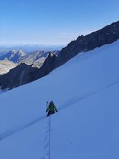 Manuel beim Übersteigen des Bergschrunds