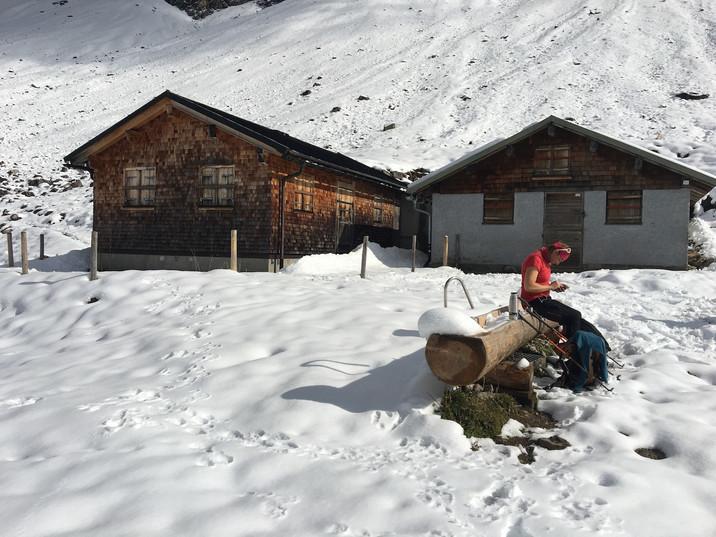 Kurze Pause an der Wildenfeldhütte
