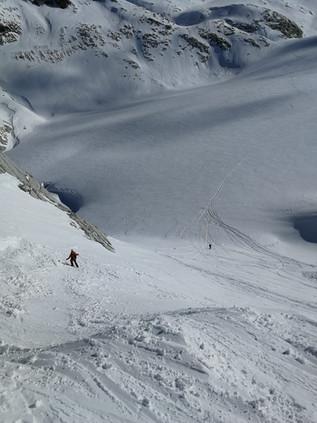 Abfahrt durch die Steilstufe