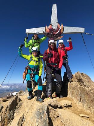 Wir fünf am Gipfel, 3738m