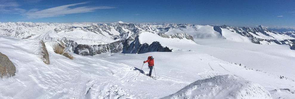 Die Abfahrt vom Gipfel beginnt