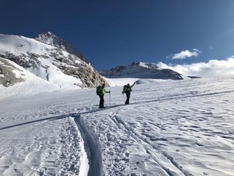 Auf dem Mandrone Gletscher