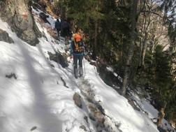 Im Aufstieg auf dem Wanderweg