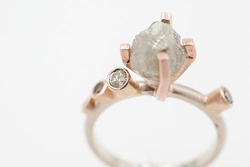 Ring mit Rohdiamant