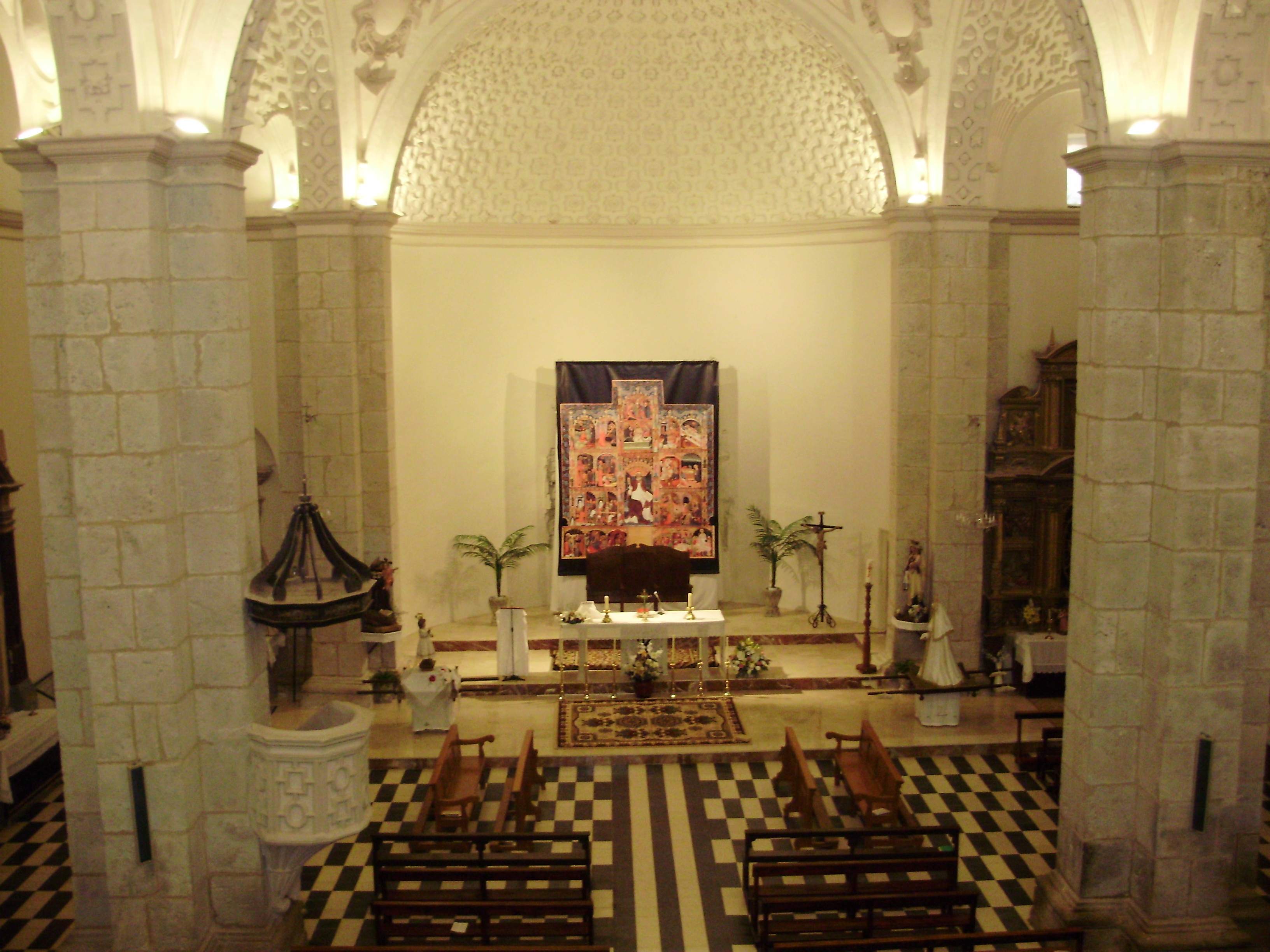 Resultado de imagen de iglesia langa del castillo