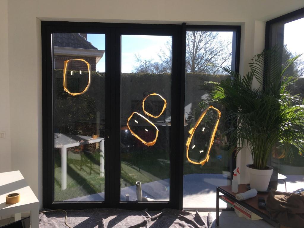 lichte krassen op raam