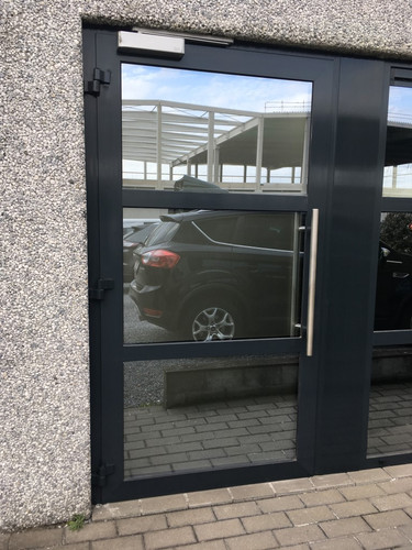 deur zonder lelijke stickers