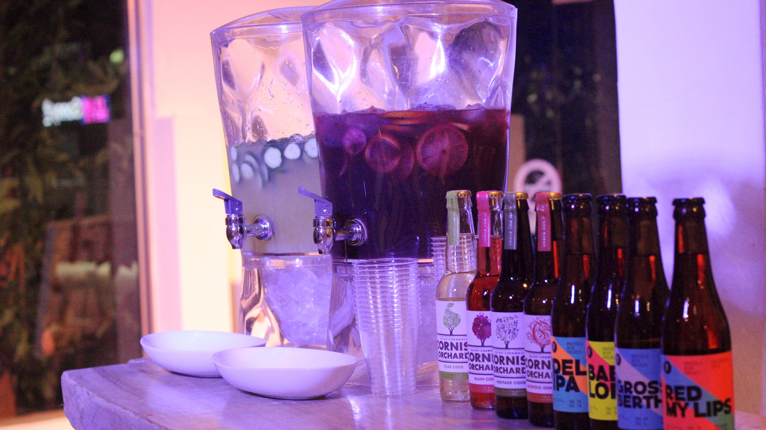EA準備多款調酒,讓參與觀眾享受微醺氣氛。