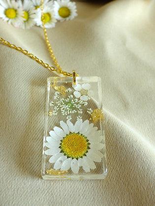 English Daisy Necklace