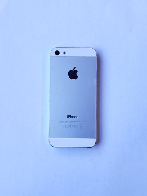 iPhone 5 (Silver) 16GB - Bell Locked - Grade C