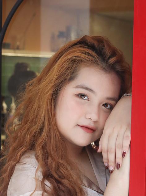 Pham Phuong Mai - Video Chair