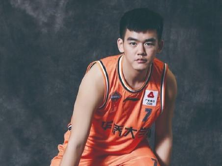 来自泉州华侨大学首位CBA 球员诞生孟翔