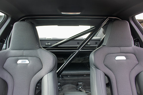 BMW M4 F8x harness bar / 1/2 roll cage