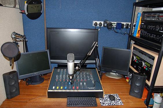 Garage - Eartunes Radio.JPG