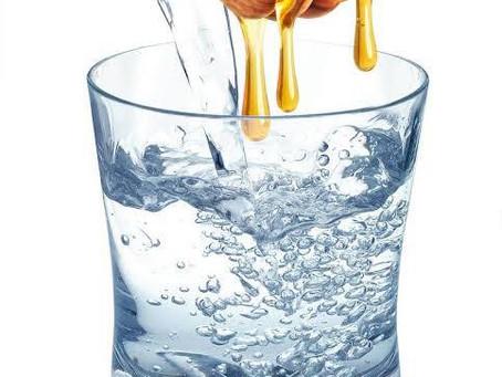 فوائد الماء بالعسل