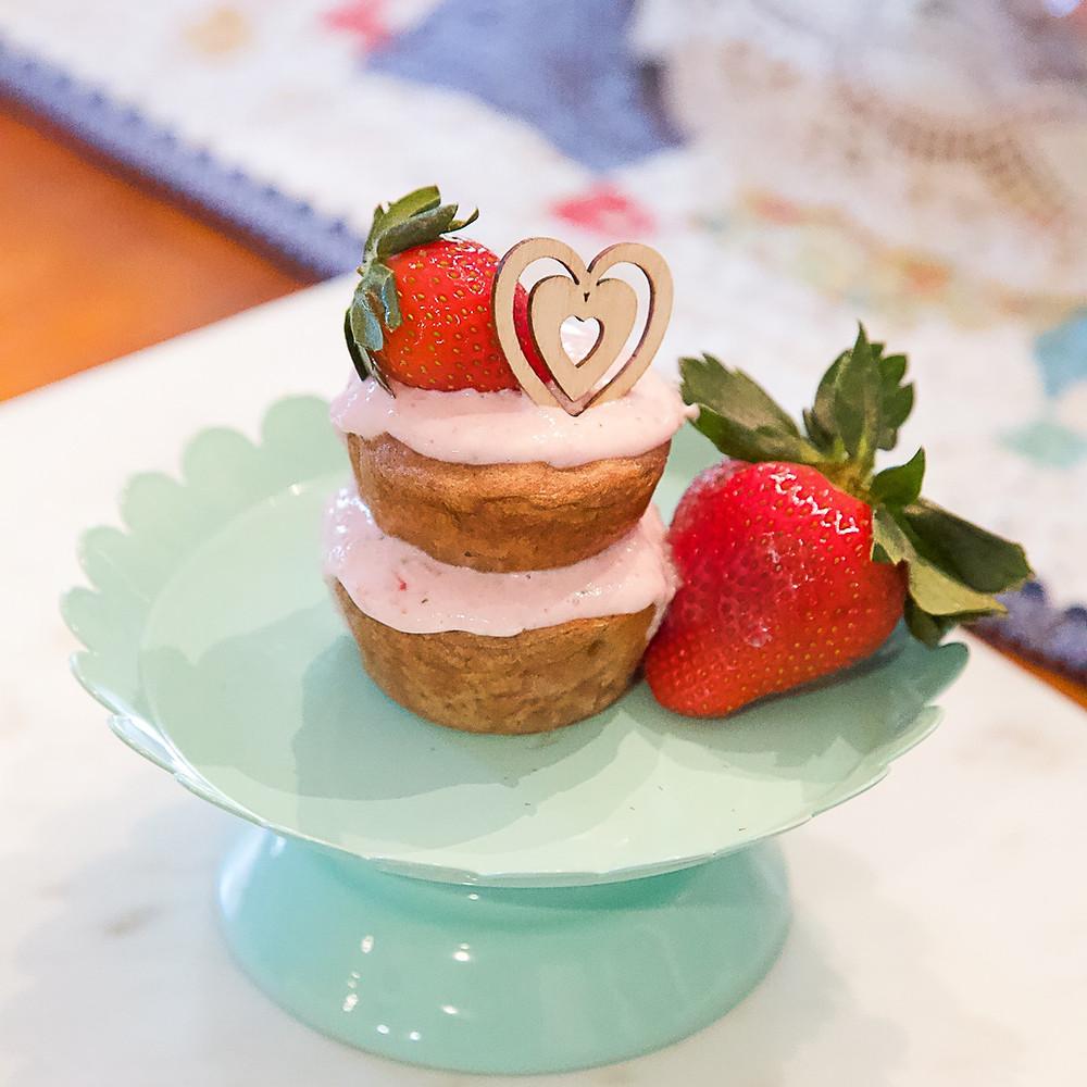 Recipe for Dog Birthday Cake Easy: A strawberry dog birthday cake recipe no peanut butter.