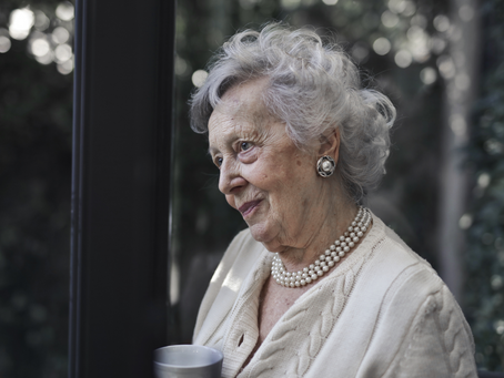 7 Important Reasons Some Seniors Shouldn't Live Alone