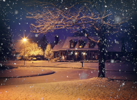 Holiday Curb Appeal That Seals The Deal