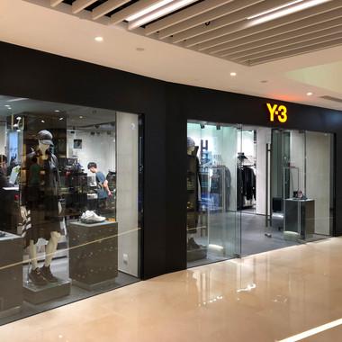 Y-3 - Fashion Walk