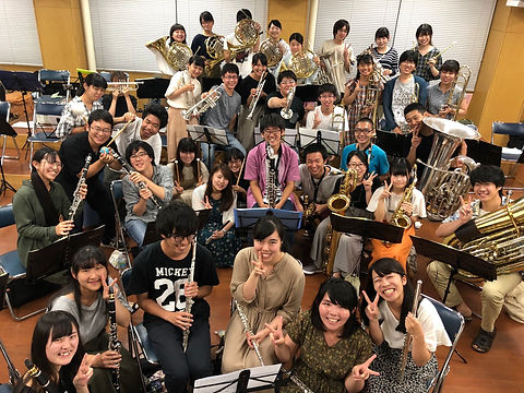 三重大学吹奏楽団集合写真