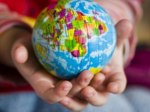 ¡Ya viene!: Sintonizar cabeza, corazón y manos para educarnos en una aldea común