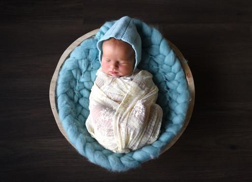 Újszülött fotózás Veresegyház 15