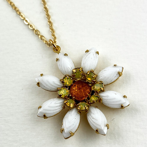 Cutest Ever Daisy Flower Necklace