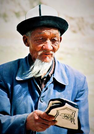 Chapeau feutre et belle barbe