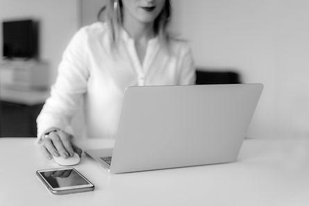 woman-using-silver-laptop-2265488%20(1)_