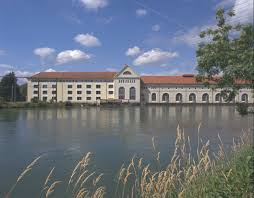 Naturstrom_Flusswasserkraftwerk