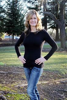 Author, Jennifer Lynn Alvarez