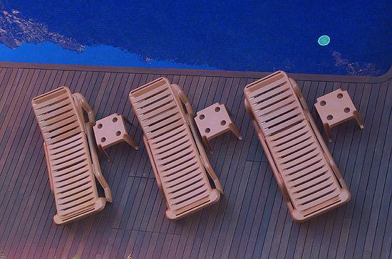 lola_tumbona_prestige_t_piscina.jpg