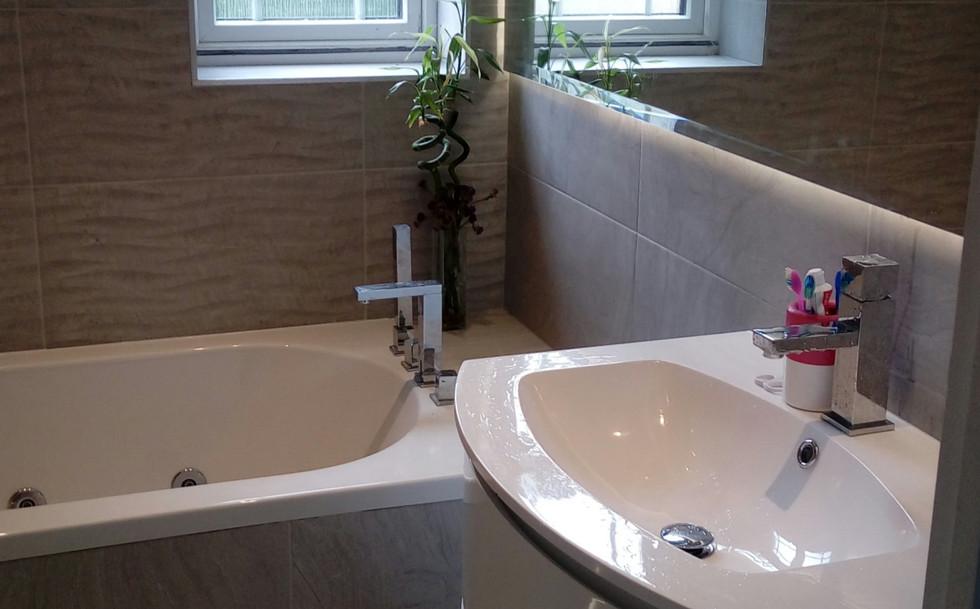 Boston bathroom (5).jpg