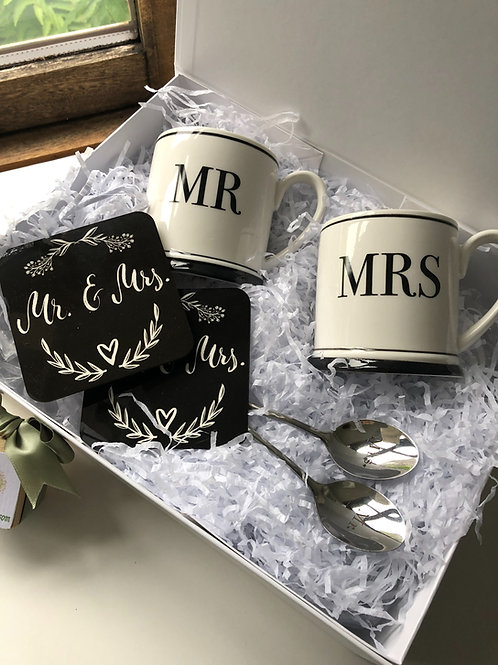 Mr & Mrs Wedding Gift Mug Set