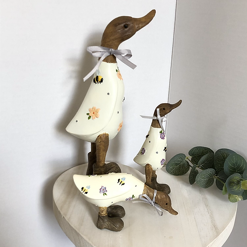 Wooden Effect Standing Flower Ducks (Three Styles Available)