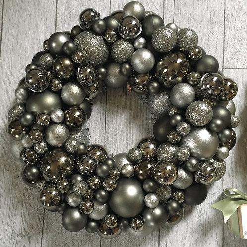 Pewter / Gunmetal Bauble Wreath