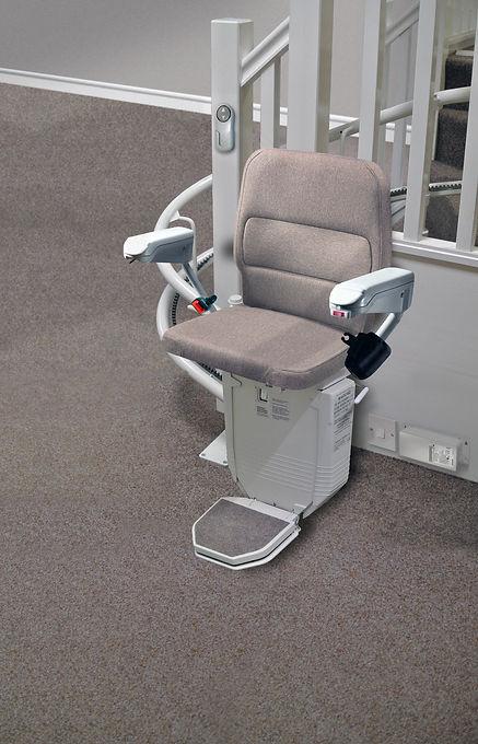 AU Chair 260 Saxon.jpg