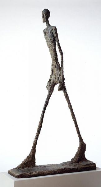 """""""O Homem que Caminha"""" (1964) Alberto Giacometti"""