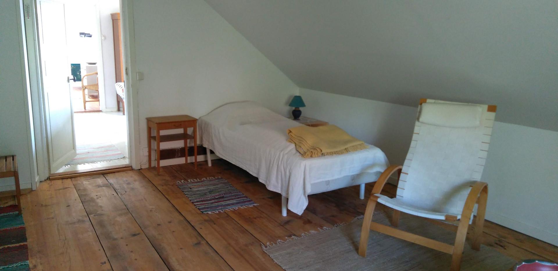 Chambre grenier, lit 2