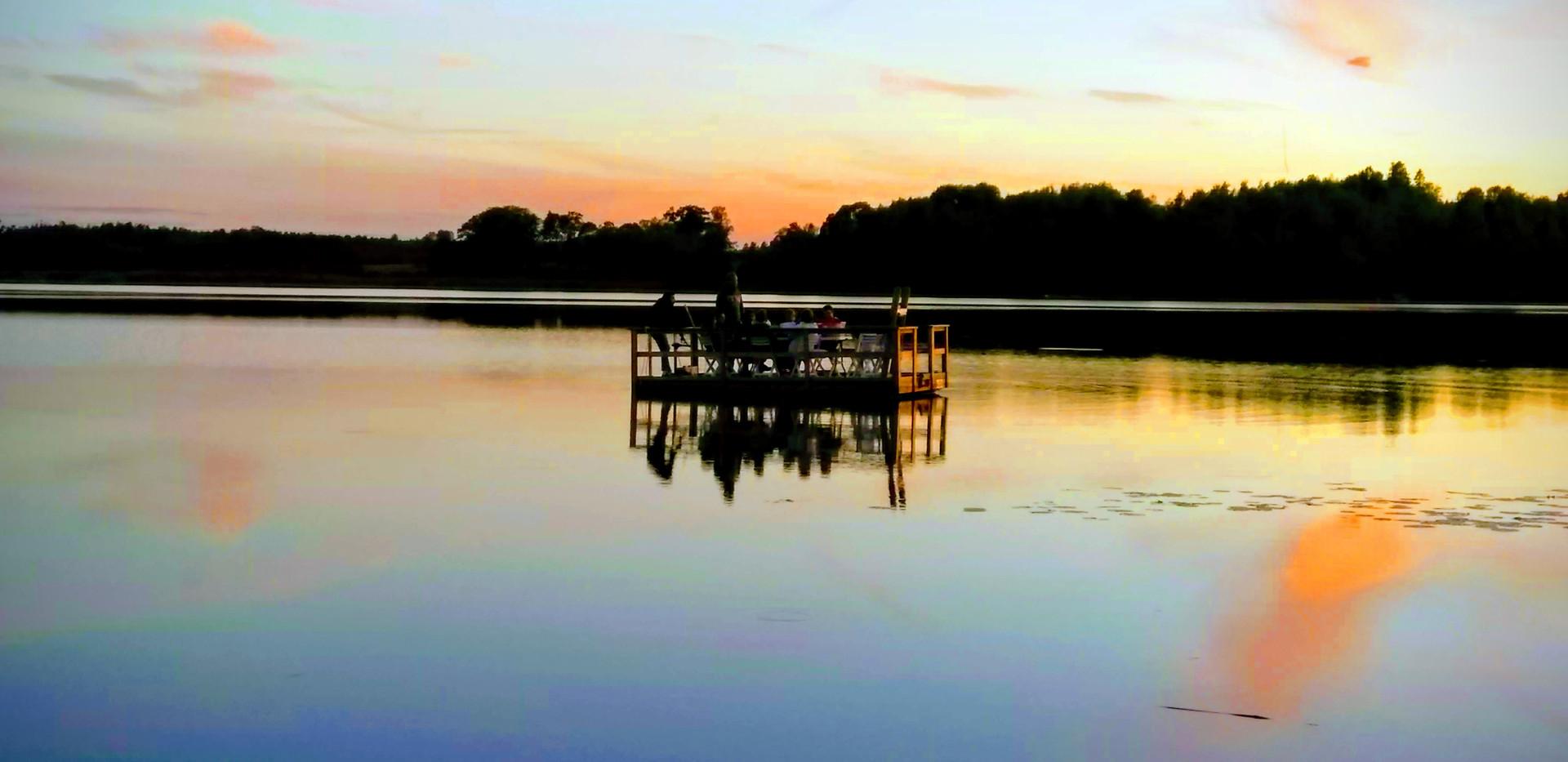 Radeau sunset