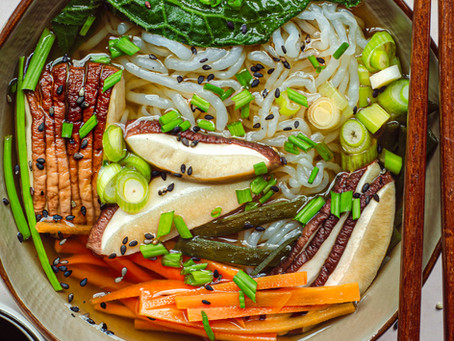 Zuppa di miso con shirataki e porcini