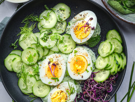 Cetrioli, uova e grüne soße: la salsa verde tedesca di cui non potrai più fare a meno