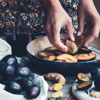 Marmellata di prugne al vino rosso e spezie
