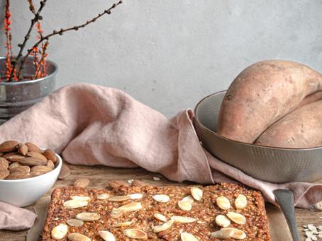 Torta vegana di avena, datteri e patate dolci