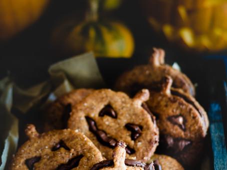 Biscotti di Halloween allo zucchero di canna e crema di nocciole