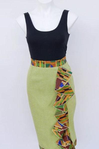 Nistz Skirt In Green With Belt