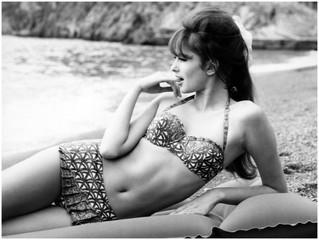 Moda la plaja: de la rochii la topless